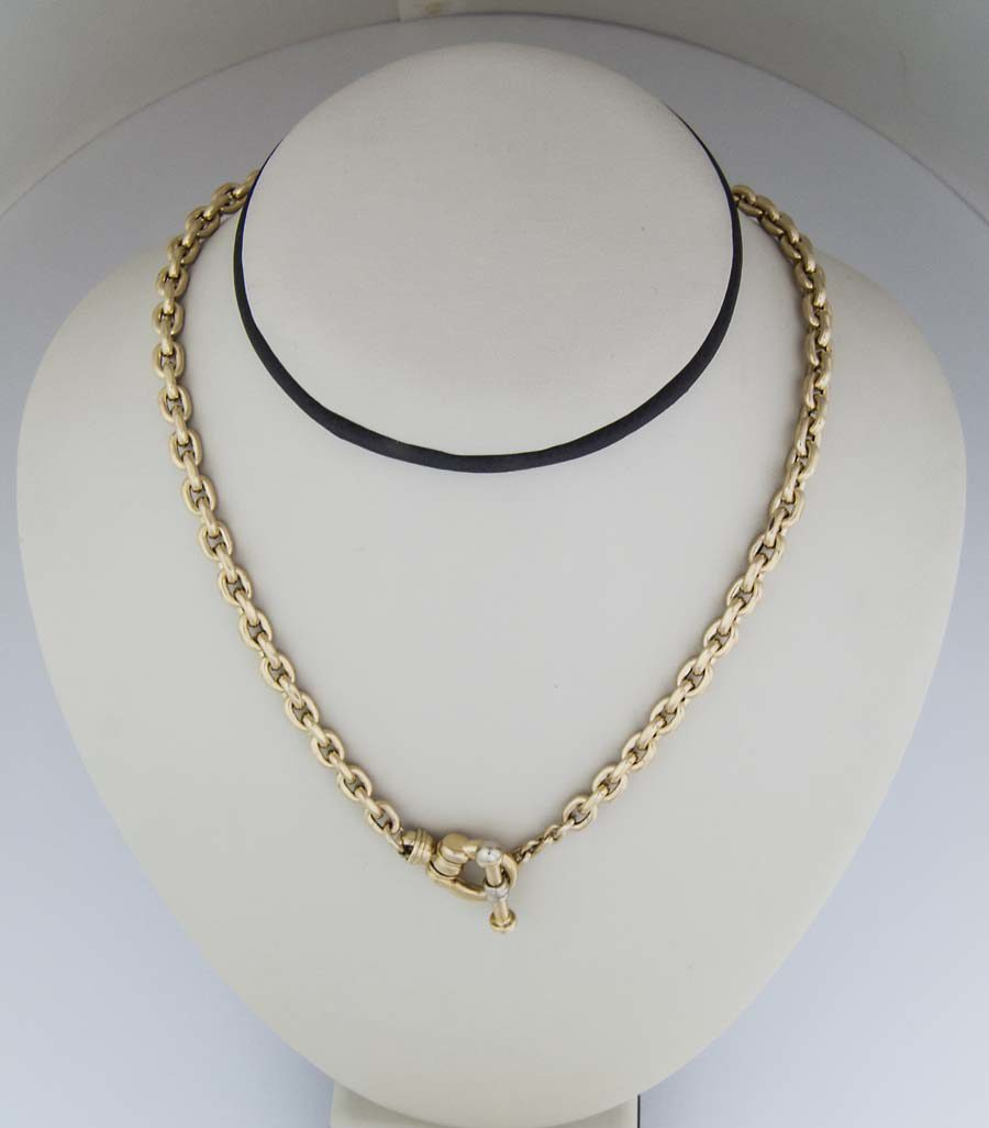 18k semi hollow 24 inch chain with large toggle clasp