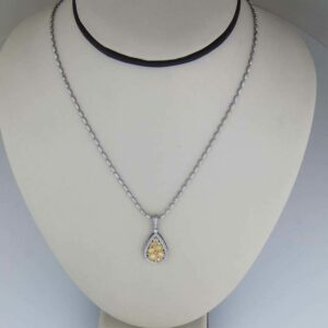 18k ovalina chain with diamond pendant