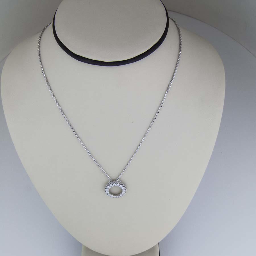 18k white gold diamond circle pendant