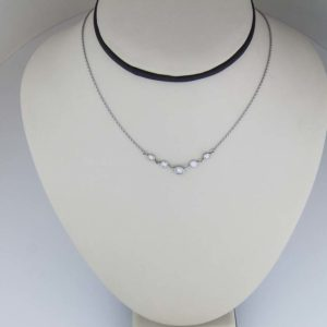 5 diamond adjustable pendant