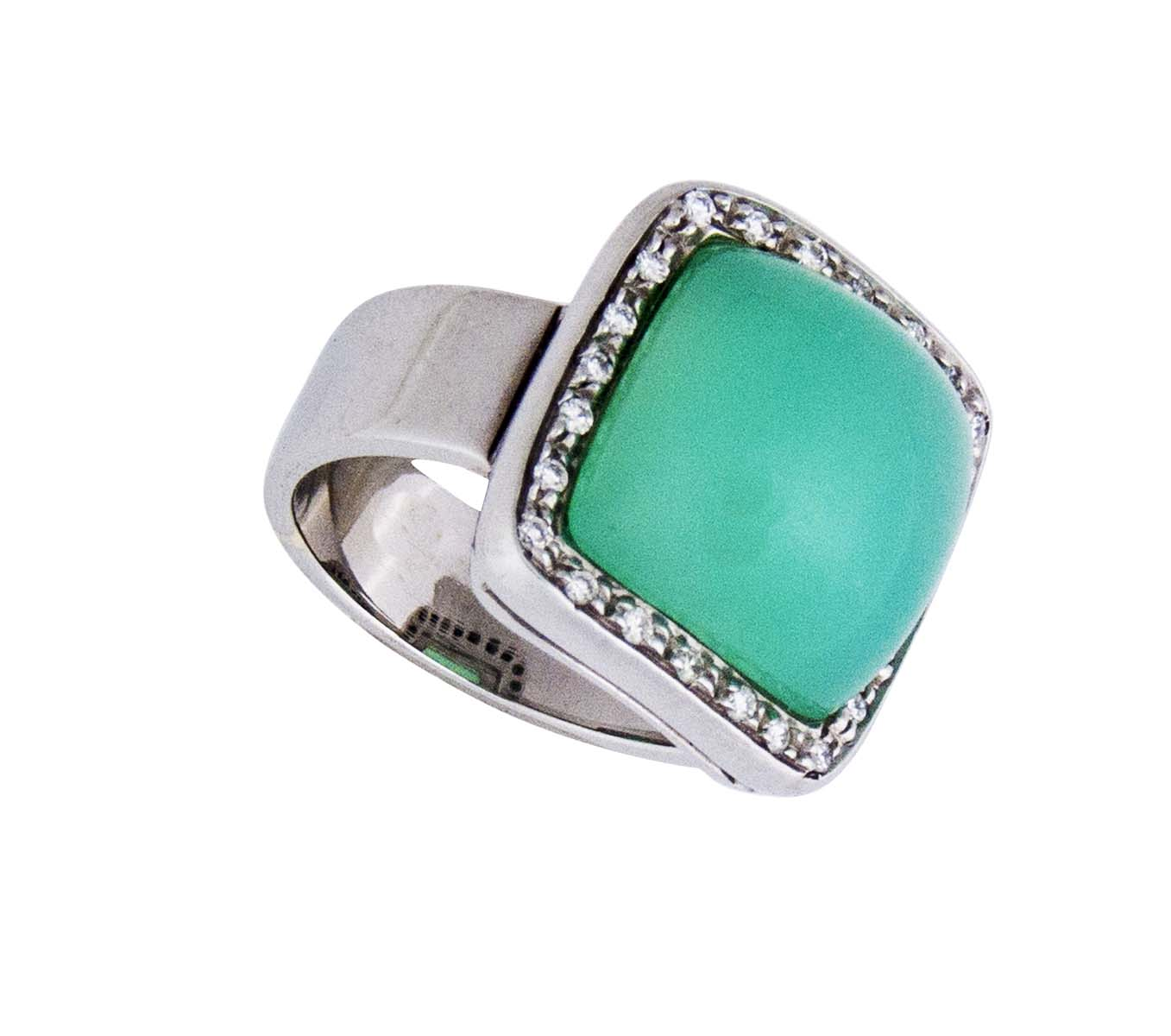 18kt wide chalcedony ring