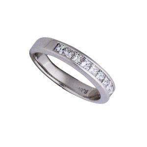 18 k chanel set princess cut 1/2 eternity diamond ring