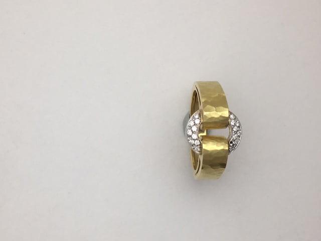 18k yellow gold diamond circle ring