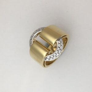 Vendorafa large oval diamond circle ring in 18k yellow gold
